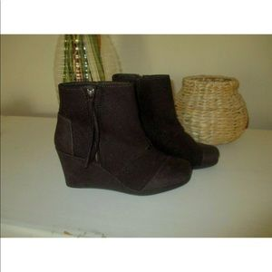 Toms Booties Desert Wedge High Dark Brown Wool